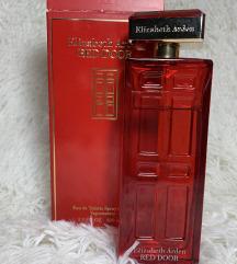 Red Door Elizabeth Arden parfem