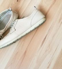 Bata kožne cipele
