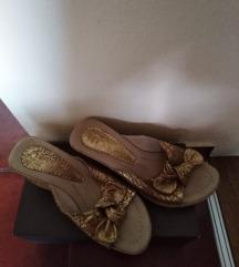 Papuce zlatne