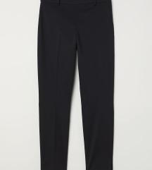 H&M NOVE crne pantalone