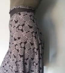 crno bela duga suknja