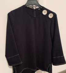 Zara XS crna bluza sa ukrasnim dugmicima