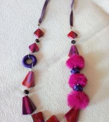 Roze ogrlica