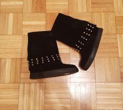 Nove cizme sa skrivenom platformom