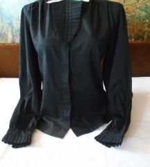 Interesantna crna košuljica