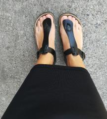 Grubin sandale crne