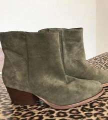 Nove cizme iz Shoe Star-a