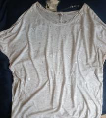 Oviese majica baggy nova sa etiketom