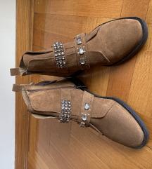 Strasivarius čizme
