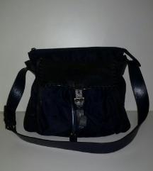 PRADA%%shoulder bag
