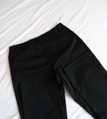 BENETTON crne pantalone / NOVO