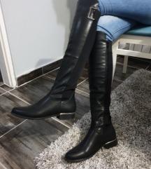 Crne cizme NOVE😊