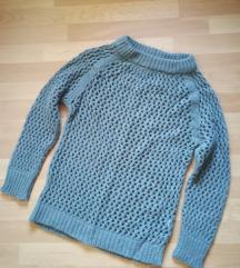 Zeleni rupičasti džemper