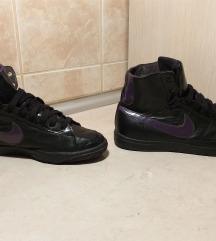 Br. 38 Nike patike crne duboke ORIGINAL
