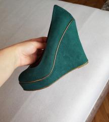 Zelene cipele na punu petu