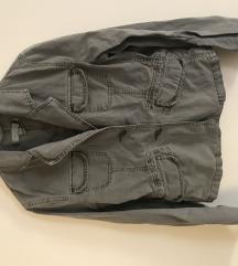 Amisu nenosena jaknica za jesen