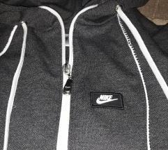 Nike trenerka snizena na 2300