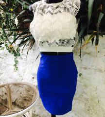 plava  suknja bela majca place cipele