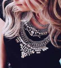 Zara ogrlica snizena