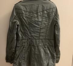 Esprit jaknica, Rasprodaja!