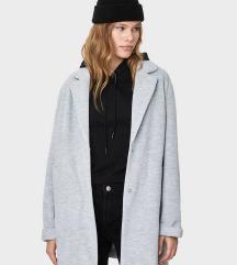 ***Bershka kaput nova kolekcija*** M/S