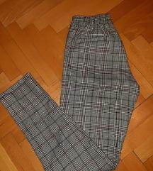 Bershka poslovne pantalone