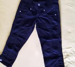 Crne 3/4 pantalone 27 Reform