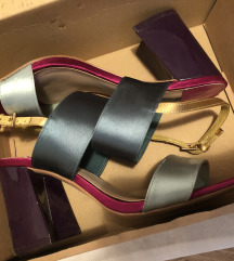 Stradivarius sandale broj 38
