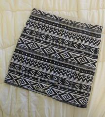 681. Calliope uska mini suknja, crno bele šare