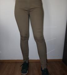 Maslinastozelene pantalone dubokog struka