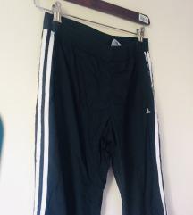 Adidas donji deo trenerke_kao nov