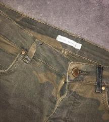 BERSHKA farmerke pantalone