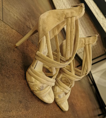 Bež sandale na štiklu