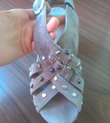 Krem sandalice