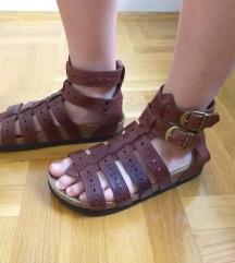 Grubin sandale broj 36