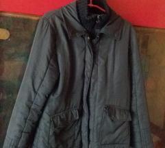 SNIZENJE! Zimska crna suskava jakna