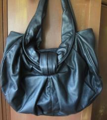 Crna komforna torba od eko kože