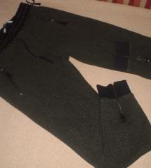 ZARA  kao nove pantalone
