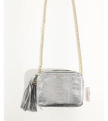 Original VS srebrna torbica - pogledati