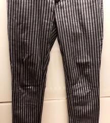 H&M prugaste pantalone