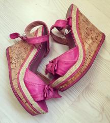 Roze sandale na plutu