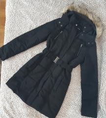 Crna dugačka jakna