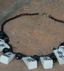 Ručno oslikana ogrlica