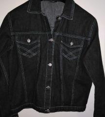 Uz dva kupljena artikla ova jakna je poklon