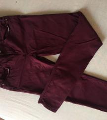 Zara bordo crvene pantalone