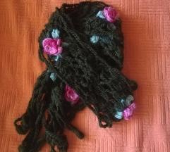 Ženski pleteni šal
