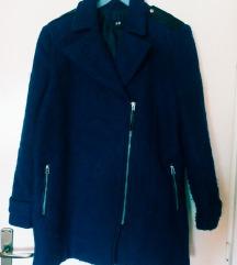 Tamno plav kaput