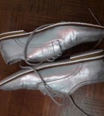 Ravne srebrne cipele br 39