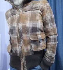 Karirana retro jakna