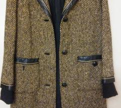 Vintage kaput sa kožom SADA 2000din.